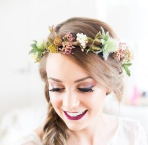 Tegen's artificial flower crown